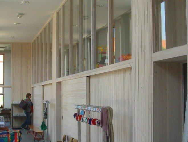 Houten wanden, stijlwanden, interieurinrichting, binnenramen, toonbanken